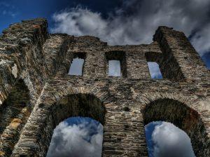 kasteel ruïne, archeologie