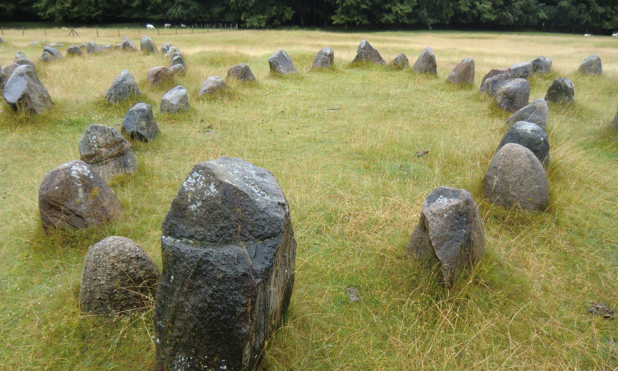 ovaal van staande stenen, Viking graf